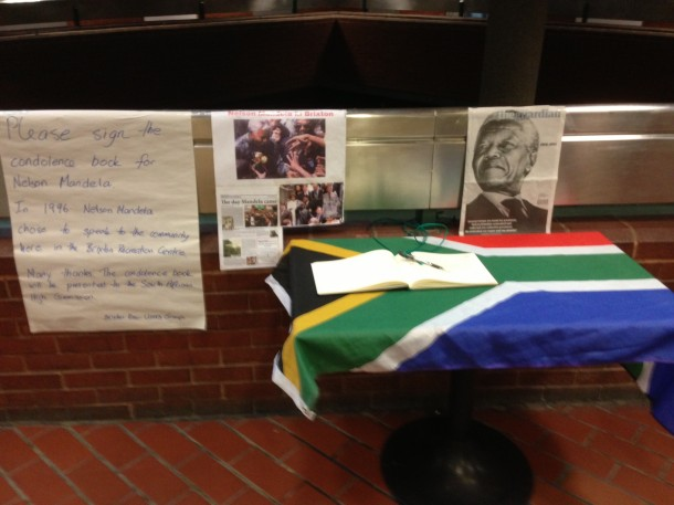 'Please sign the condolence book for Nelson Mandela'