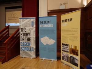 Czech scrolls banners