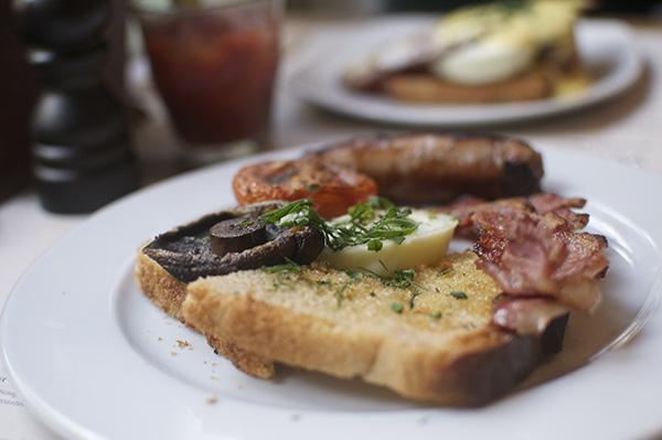 w:caper breakfast