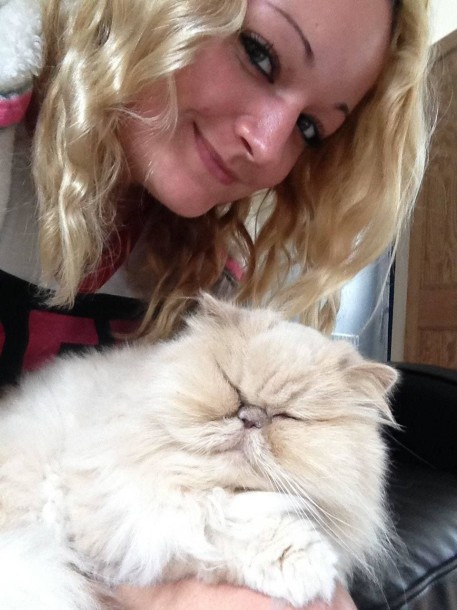 Aimee Treasure and her cat Willow