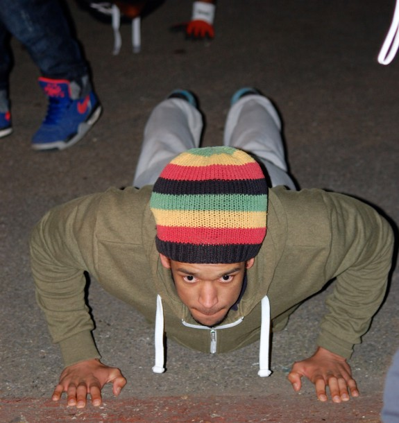 Block Workout member doing press ups at Brixton's Street Gym (Sandra Brobbey for Brixton Blog)