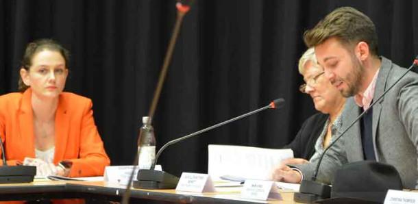 Cllr Jane Edbrooke (left) listens as Cllt Matthew Bennett explains how cuts will worsen homelessness in Lambeth