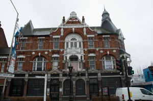 Half Moon pub in Herne Hill
