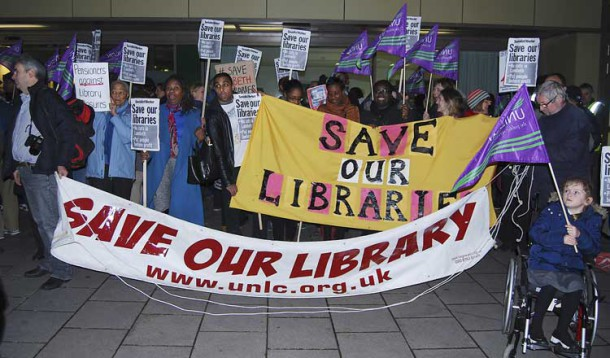 Library protesters at a council meeting