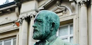 Bust of Sir Henry Tate