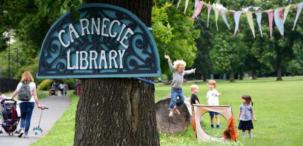 Carnegie pop up library in Ruskin Park
