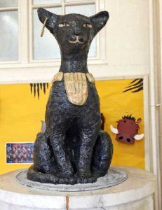 Model of tomb cat