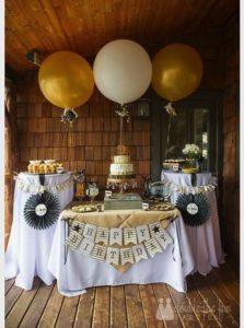 Angell Town Market birthday balloons