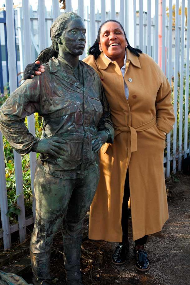 Joy Battick the model for station statue
