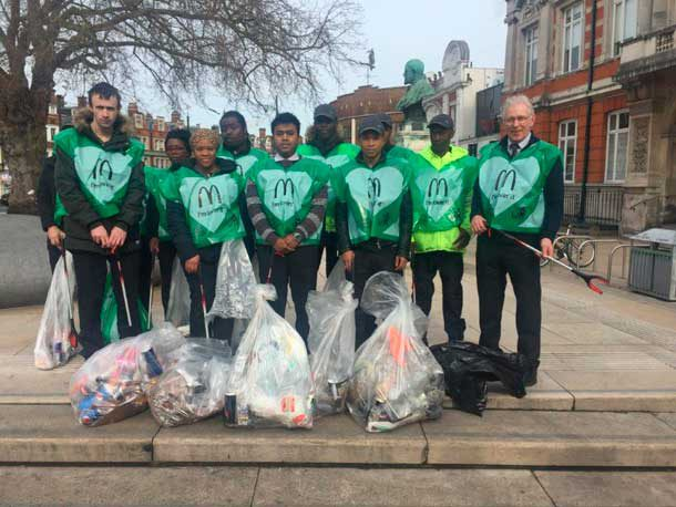 Brixton McDonalds and members of the public clean up Brixton as part of Keep Britain Tidy weekend