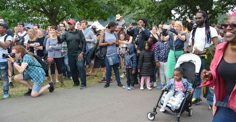 South London Samba' strolling performances sent down a storm