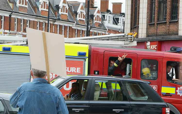 Support from passing firefighters