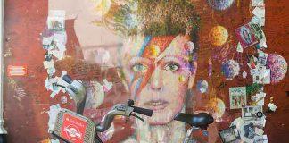 Santander bike in front of Bowie mural