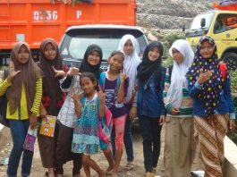 Landfill project in Indonesia. Pic of children