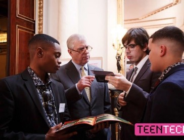 Evelyn Grace pupils at Buckingham Palace to receive their top tech award