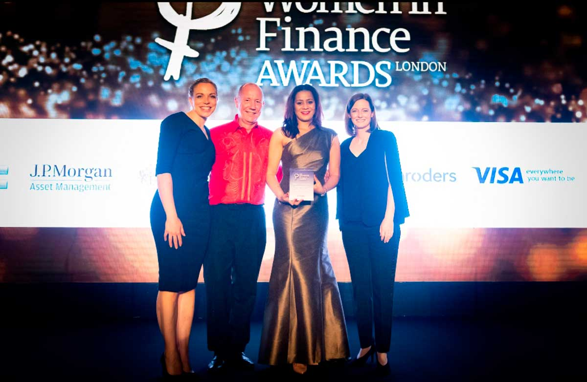 Miranda Brawn with her Woman of the Year award at the annual Finance Awards