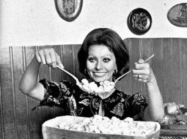 Sophia Loren with pasta
