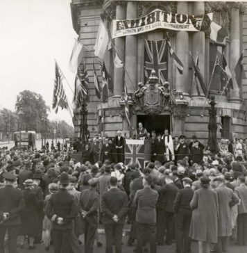 VEDay celebrations in Brixton with the Mayor, Alderman W. Lockyer, and other officials addressing the crowd from the steps of Lambeth Town Hall - 8th May 1945