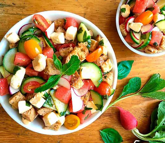panzanella salad in bowl