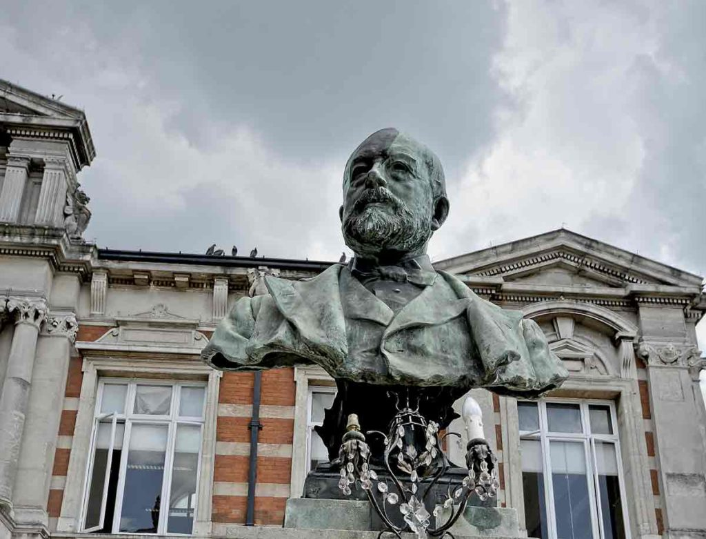 Bust of benefactor Sir Henry Tate outside Brixton Tate library