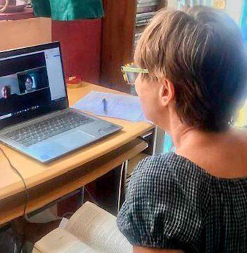 woman inZoom meeting