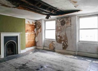 Photograph of the room believed to be where Vincent van Gogh stayed prior to the renovation. © Finbarr Falon, 2015.
