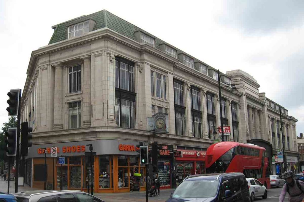 This block on the west side of Brixton Road was built in 1927 as Quin & Axtens department store. Image provided by The Brixton Society.