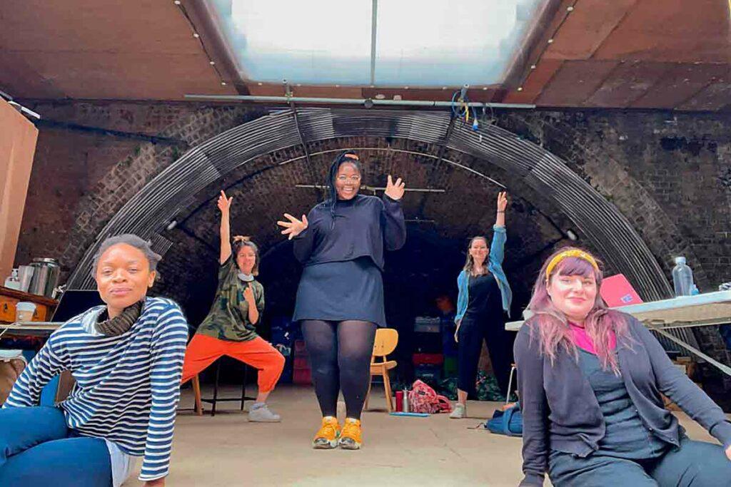 actors reheasing