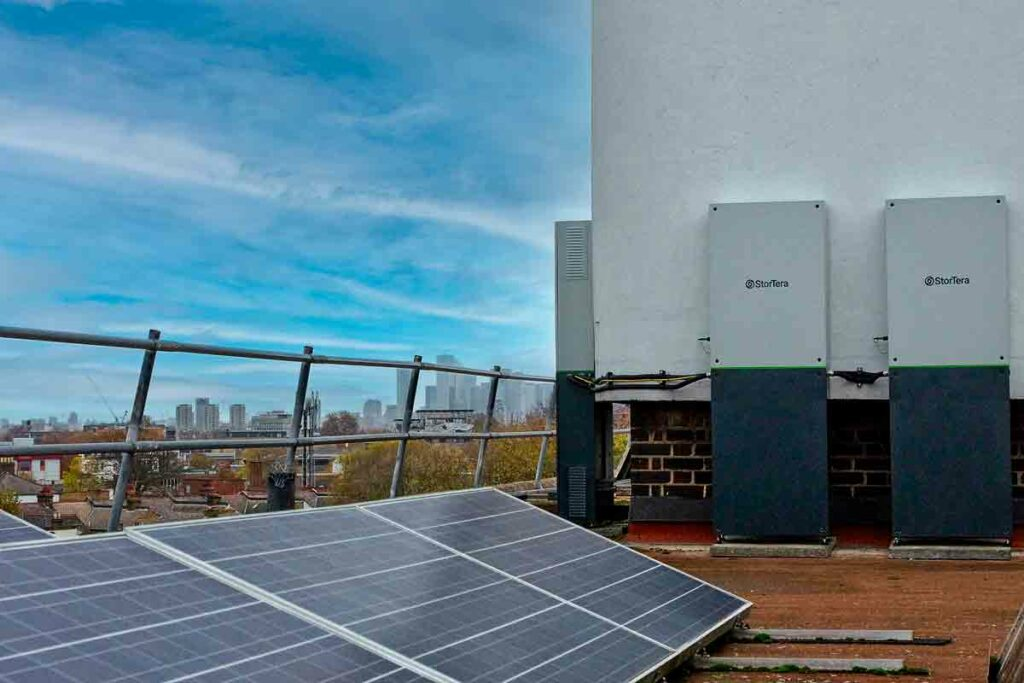 photovoltaic cells and batteries in roof