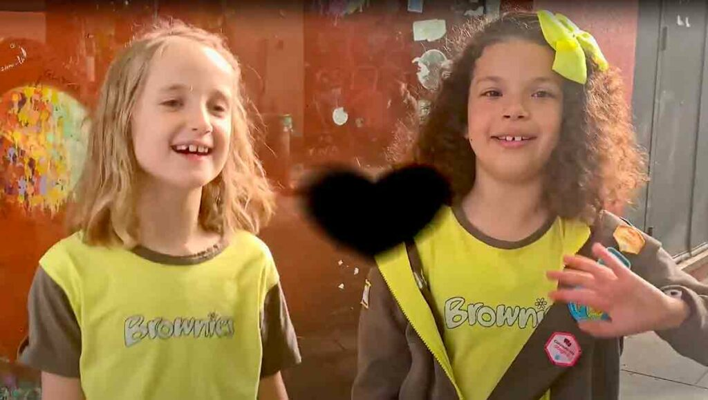 two girls in Brownie uniform