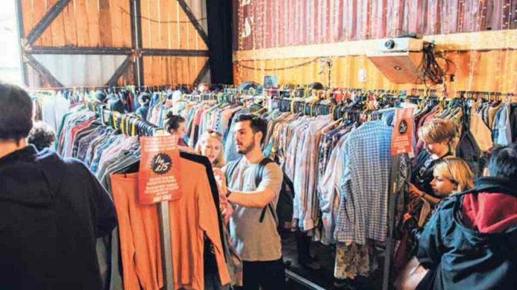 shopping for second hand clothes
